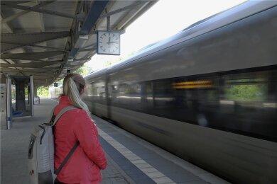 Gehen die Pläne auf, fährt die S-Bahn auch ins Vogtland - und zum Bahnhof Reichenbach.