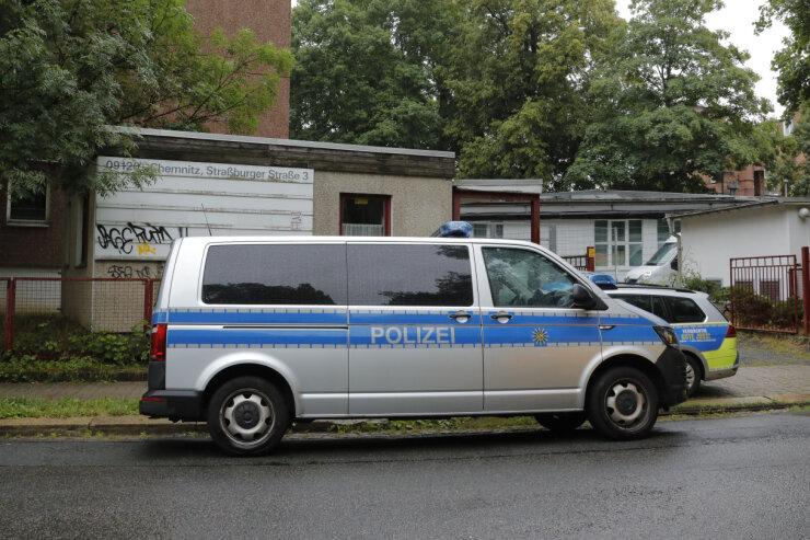 Die Polizei ist am Dienstagvormittag wegen eines Streites zwischen zwei Bewohnern zum Asylbewerberheim an der Straßburger Straße ausgerückt.