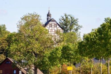 Wie geht es weiter mit dem Jößnitzer Schloss? Die Verantwortlichen im Ort wollen einen Verkauf verhindern. Entsprechende Pläne hatte die Stadtverwaltung jüngst geäußert.