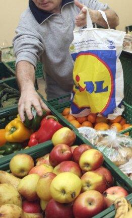 """Obst, Gemüse und andere Lebensmittel bekommen Bedürftige bei der Aktion """"Warenkorb"""" in Limbach-Oberfrohna. Kurz vor Weihnachten hat die Ausgabestelle geschlossen. Geöffnet ist wieder ab Anfang Januar."""