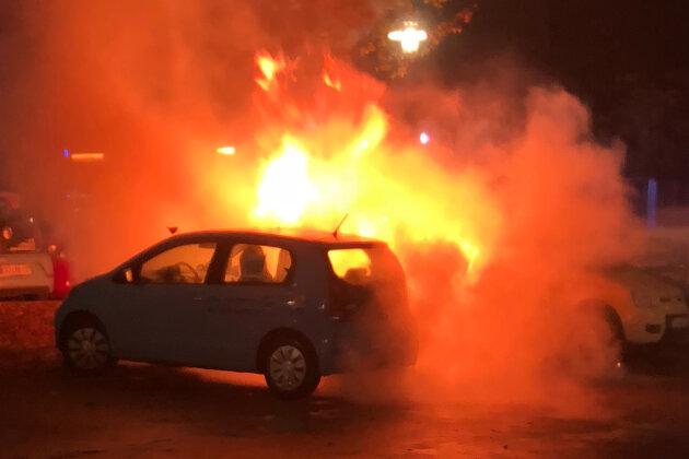 Am frühen Donnerstagmorgen musste die Schneeberger Feuerwehr erneut zu zwei Fahrzeugbränden ausrücken.