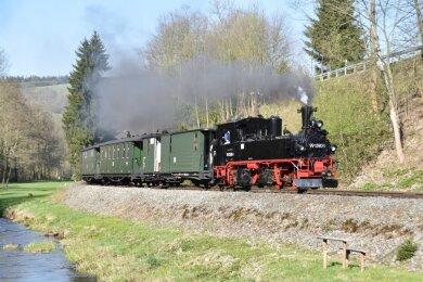 Die Preßnitztalbahn nimmt den Betrieb wieder auf.
