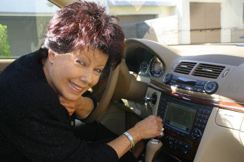 Iris Mayer bringt Autofahrer sicher ans Ziel.