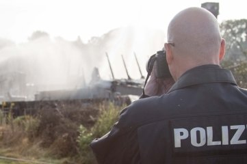 Die Polizei war am Mittwochfrüh am Brandort, um die Ursache für das Feuer zu ermitteln.
