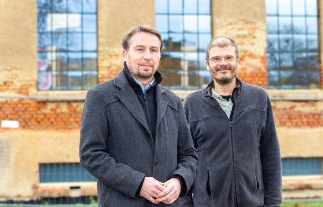 Staffelstabübergabe beim Landesamt für Denkmalpflege: Stefan Dähne (links) folgt als Gebietsreferent auf Thomas Noky, der als meinungsstarker Fachmann im Vogtland viele Spuren hinterlassen hat.