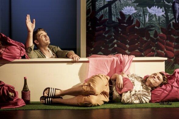 Bei der Probe: Richard Glöckner als Leonce und Bettina Grothkopf als Lena.