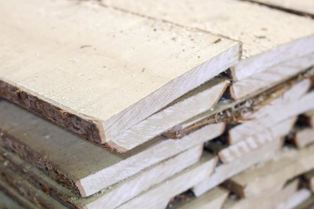 Holzlager in Deutschland leer - Bau klagt über Materialmangel