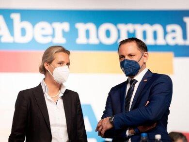 AfD-Franktionsvorsitzende Alice Weidel (l) und AfD-Bundessprecher Tino Chrupalla treten als Team an.