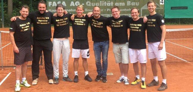 Vorfreude auf die Regionalliga: Das Tennisteam der SpG Freiberg/Chemnitz bei den Herren 30+, das 2019 den Aufstieg erkämpfte.