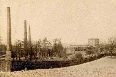 Das Bild zeigt den Neuen Alexanderschacht in Planitz am Biel. Links steht die Kokerei. (um 1910).