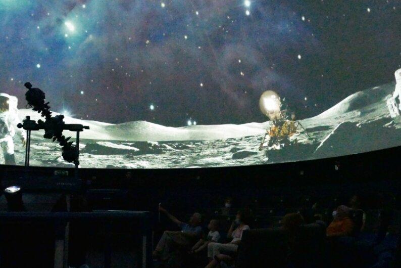 Reger Betrieb im Planetarium