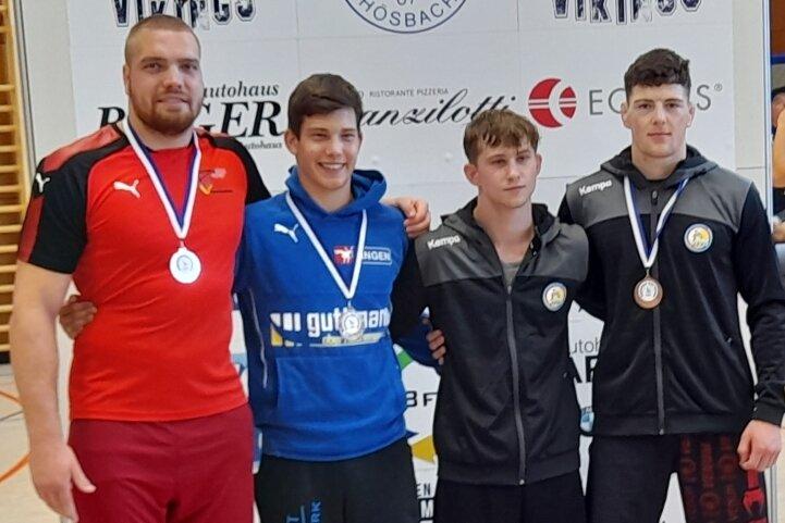 Mit Franz Richter, Maximilian Simon, Marco Stoll und Erik Löser (von links) präsentierten sich beim Kaderturnier in Hösbach vor einigen Wochen gleich vier Ringer aus dem Bundesligateam des AV Germania.