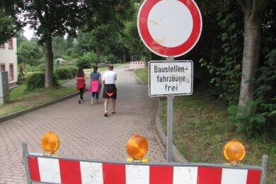Zwar herrscht aktuell Ruhe an der Dittmannsdorfer Dorfstraße, doch sind die Arbeiten noch nicht abgeschlossen.