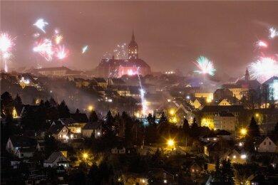 In diesem Jahr werden im Erzgebirge wohl keine Raketen in den Himmel steigen. Der Verkauf von Feuerwerkskörpern ist ohnehin untersagt. Nun hat der Landkreis auch ein Böllerverbot erlassen.