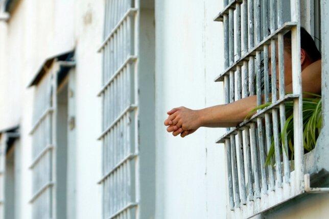 Langeweile ist in Gefängnissen an der Tagesordnung. Die Haftzeit für eine Drogentherapie zu nutzen, scheitert meist an fehlenden Plätzen.