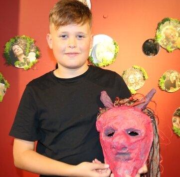 Florin Pitschmann macht beim Ferienkurs im Puppentheater neue Erfahrungen.