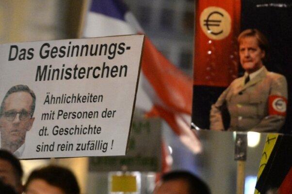 Pegida-Demo am 2. November 2015 in Dresden.