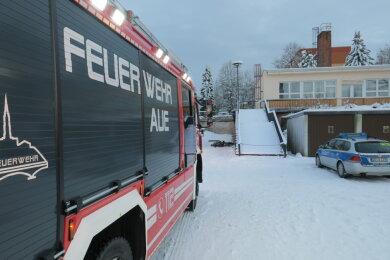 Zur alten Kaufhalle auf dem Brünlasberg ist die Feuerwehr am Montagnachmittag ausgerückt.