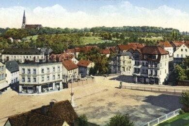Der Planitzer Markt etwa 1920. Links im das Kaufhaus Schocken und der Platzmitte der Kolonialwarenhändler Meyer & Krauß.