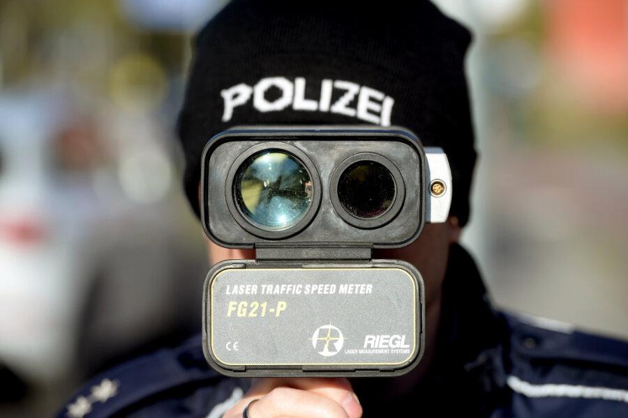 Polizeikontrolle auf A 4 bei Chemnitz: 648 Autos innerhalb von drei Stunden geblitzt