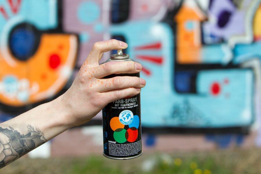 Graffiti verursacht 10.000 Euro Sachschaden