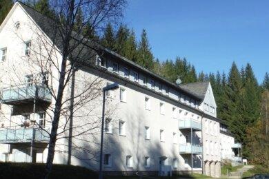 """Das Haus Am Milchbach 28-30 gehört zu den 14 Objekten, die als """"fortsetzungswürdig"""" eingestuft und verkauft wurden."""