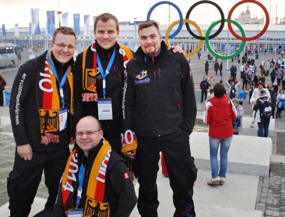 Marcel Walter, Daniel Sturm, Sandro Wagner und Benjamin Freund (v. l.) waren in Sotschi für andere Besucher ein begehrtes Fotomotiv.