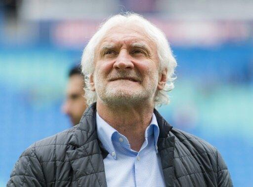 Stärkt seinem Trainer den Rücken: Rudi Völler