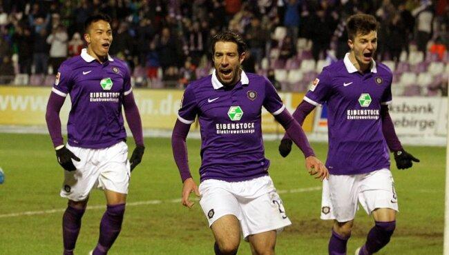 Die Veilchen in Feierlaune: 2:0 hieß es am Ende gegen RB Leipzig.