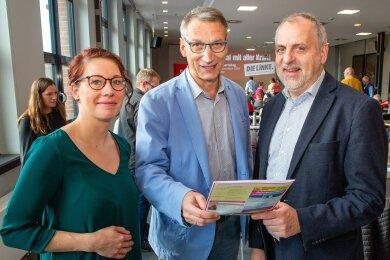 Die Kreisvorsitzende Marika Tändler-Walenta (l.) zusammen mit Flöhas Oberbürgermeister Volker Holuscha und Linken-Fraktionschef Rico Gebhardt.