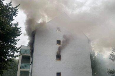 Den Nachbarn ist es offensichtlich zu verdanken, dass beim Wohnungsbrand am Samstag in der Kreisstadt keine Menschen starben.