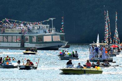 Die große Bootsparade vereint die Fahrgastschiffe und Hobbykapitäne auf dem Wasser und ist Teil des traditionellen Talsperrenfestes. Für dieses Jahr ist es nun abgesagt worden.