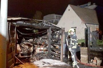 In der Nacht zum 23. Oktober brannte in Wittgensdorf eine Garage komplett aus.