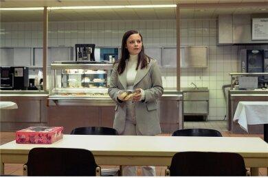 Liv Moormann (Jasna Fritzi Bauer) hatte sich ihren ersten Tag in der Mordkommission anders vorgestellt, aber sie lässt sich nicht abwimmeln. Foto: Radio Bremen/Christine Schroeder