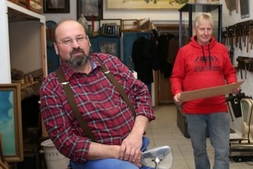 Matthias Herrmann (v.) und Volker Beckmeier gehörten zu den Gründungsmitgliedern des EZV Bernsbach und wirken noch immer im Vorstand mit.