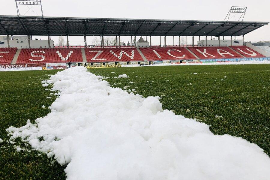 FSV Zwickau sucht Helfer mit Schneeschieber