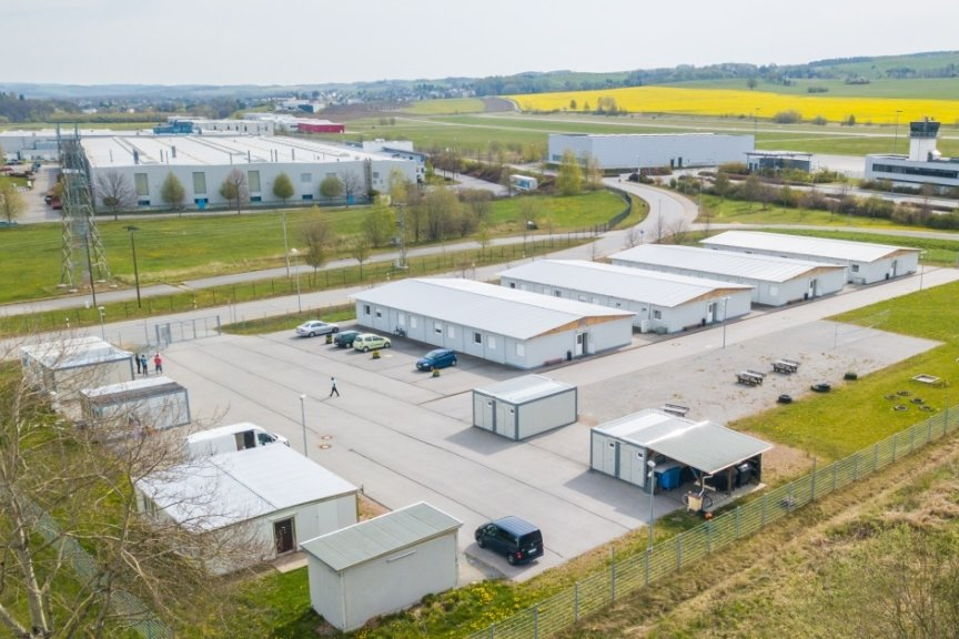 Der Streit um das Containerdorf Jahnsdorf wird nun am Verwaltungsgericht entschieden.