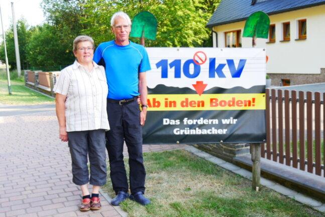 Veronika und Klaus Linnemann - auf sie schauen die Bürgerinitiativen im Vogtland, die sich gegen die 110 kV-Trasse und für Erdkabel einsetzen. Die beiden haben stellvertretend für alle beim Oberlandesgericht Bautzen geklagt.