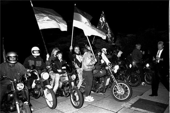 Bürger feiern die Deutsche Einheit.