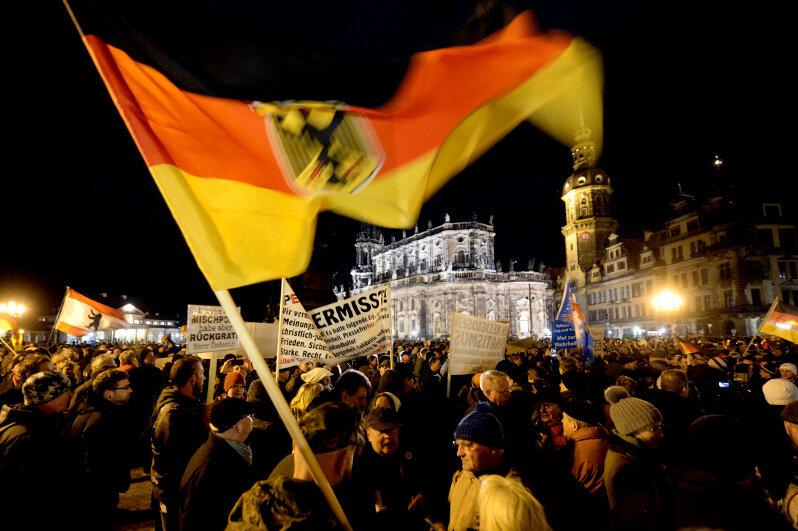 Anhänger des Pegida-Bündnisses bei einer Kundgebung am 22. Dezember.