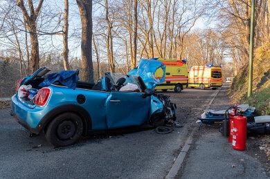 Bei einem Verkehrsunfall auf der Alten Rodewischer Straße in Auerbach sind am Donnerstagnachmittag zwei Menschen verletzt worden.