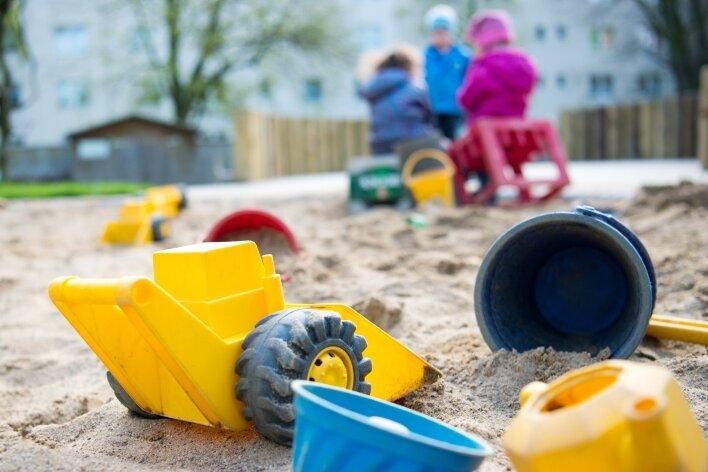 Eine gute Kinderbetreuung kostet viel Geld. In manchen Gemeinden müssen die Eltern nun dafür mehr ausgeben.