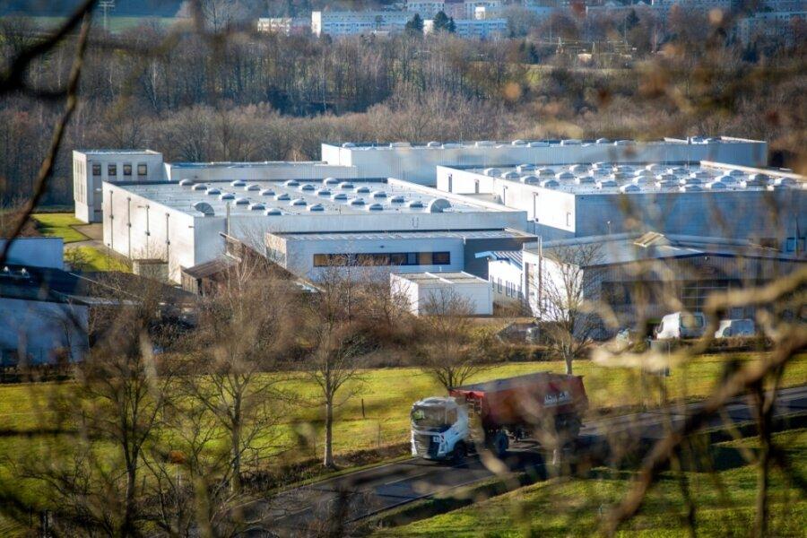 1998 wurde der Neubau im Falkenauer Gewerbegebiet bezogen. Ihre Wurzeln hat die Spiga in Flöha-Plaue, wo Carl Siems 1898 die Tüllfabrik gründete, neben der Baumwollspinnerei zweiter großer Textilbetrieb in Flöha.