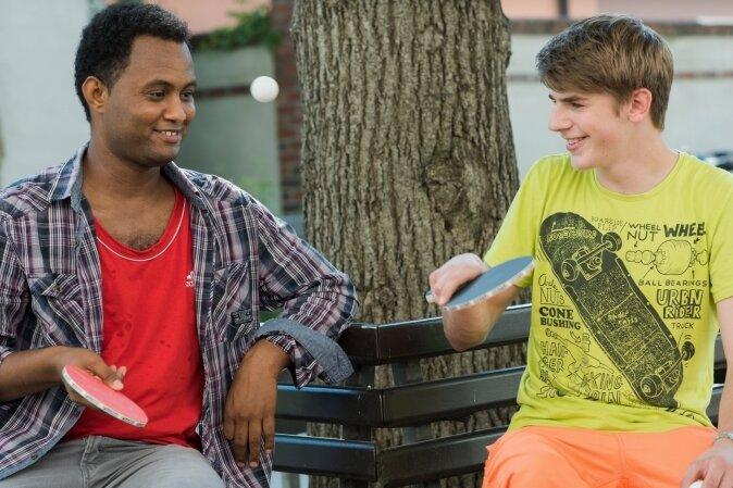 Wenn sich der angehende Sozialassistent Nico Mannebach und Ibrahim aus Eritrea zum Tischtennis treffen, ist das für Lehrer Grupe gelebte Integration.