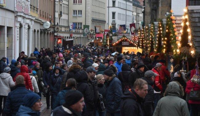 Weihnachtsmarkt Länger Als 24 12.Weihnachtsmarkt Bilanz Neue Debatte Um öffnungszeiten Freie