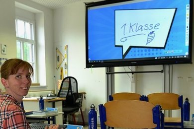 Die Lehrer der Eduard-Feldner-Grundschule in Hainichen arbeiten seit kurzem kreidefrei. Margret Weidner leitet die Klasse 1d.