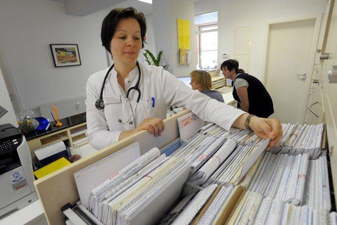 Weniger Allgemeinmediziner - mehr Orthopäden und Internisten