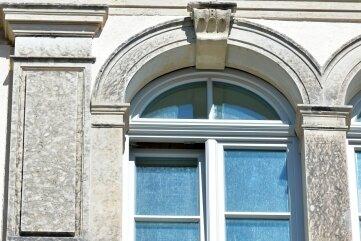 November 2020: Die neuen Fenster mit aufgearbeiteter Natursteineinfassung.