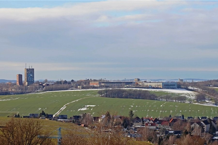 Blick von der Erhebung am König-Albert-Turm auf die Ausläufer von Mülsen.