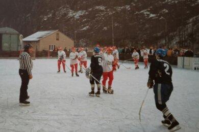 Die Kirchberger BEC-Kufencracks nach einem Landesliga-Heimspiel am Hölig-Steinbruch gegen Klingenthal.